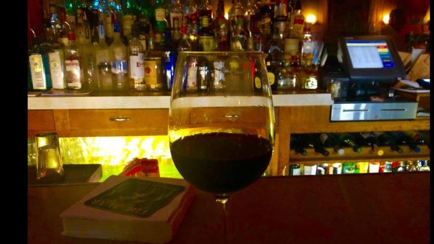 Paradise Cafe bar