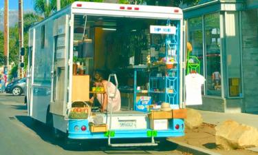 Retail truck