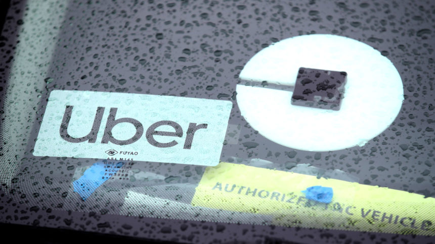 Uber20logo20on20car20windshield.jpg_37859059_ver1.0