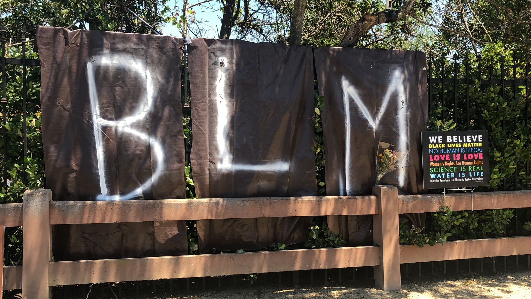 BLM sign vandalized in Thousand Oaks