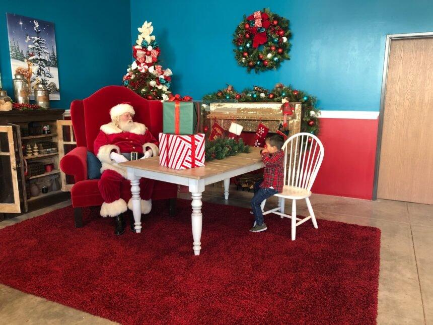 No Contact Santa Photos at The Collection