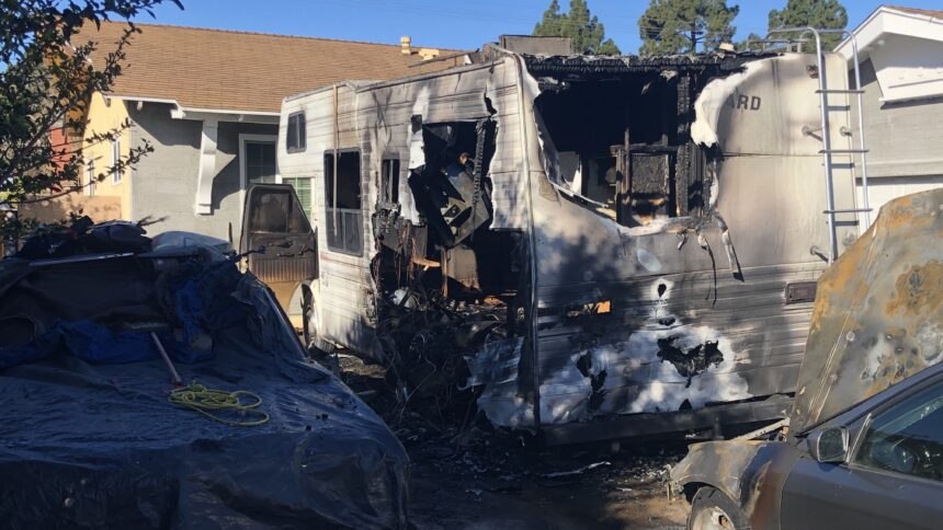 011121 SM RV and car fire