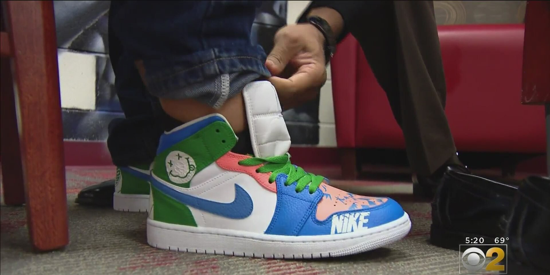<i>WBBM</i><br/>A Chicago teacher found a way to reward his students with new sneakers that he hand painted after they designed them.