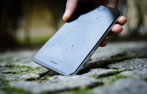 Future smartphones may be designed with he ability to be repaired