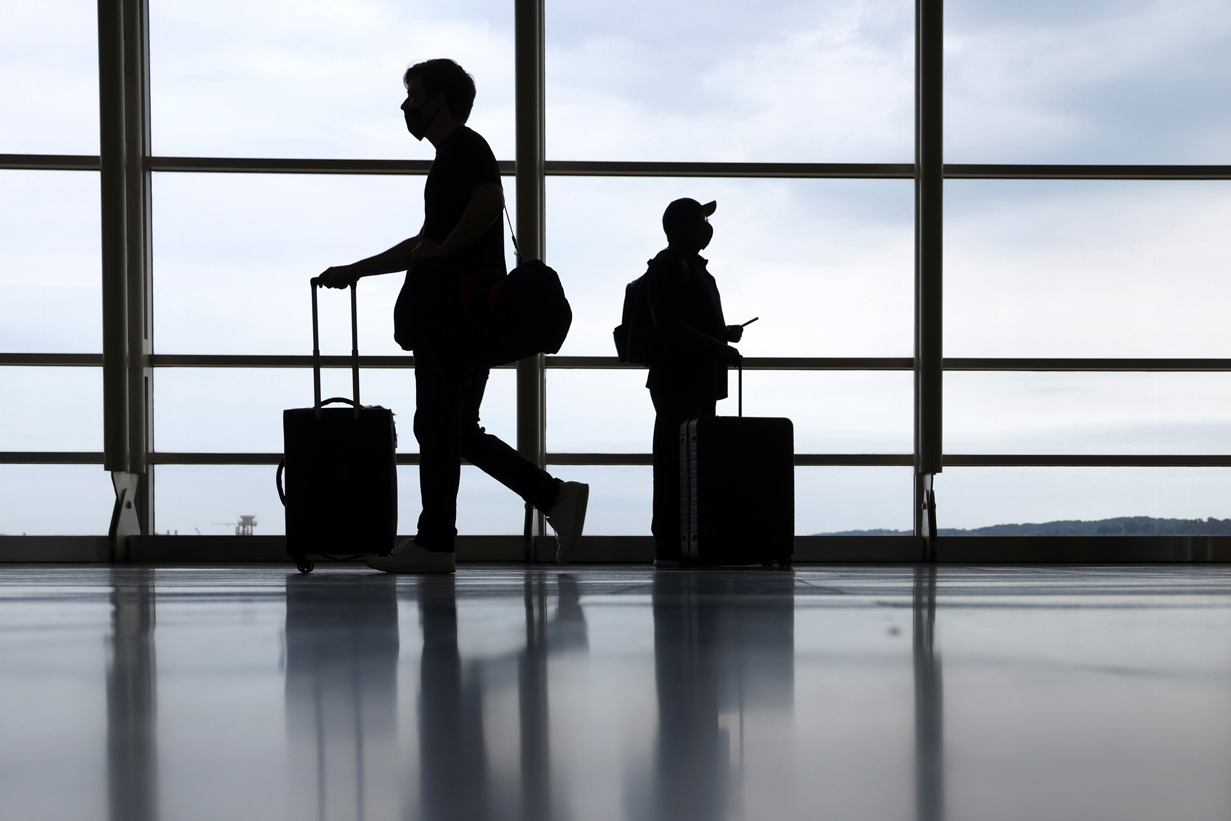 <i>Alex Wong/Getty Images</i><br/>Welcome news for millions of travelers arrived on Sept. 20 with the announcement of plans to allow fully vaccinated foreign air travelers into the United States starting in early November. The plans both loosen and tighten existing rules