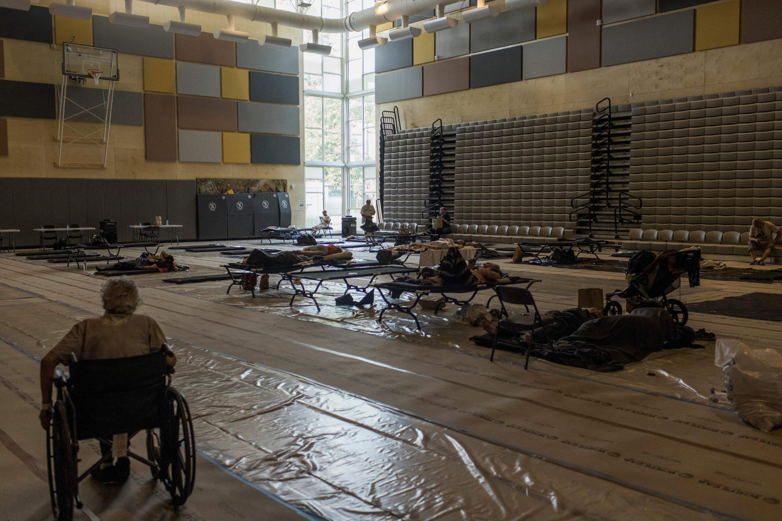 <i>Michael Hanson/AFP/Getty Images</i><br/>Residents spend the afternoon at a cooling center at Kellogg Middle School in Portland