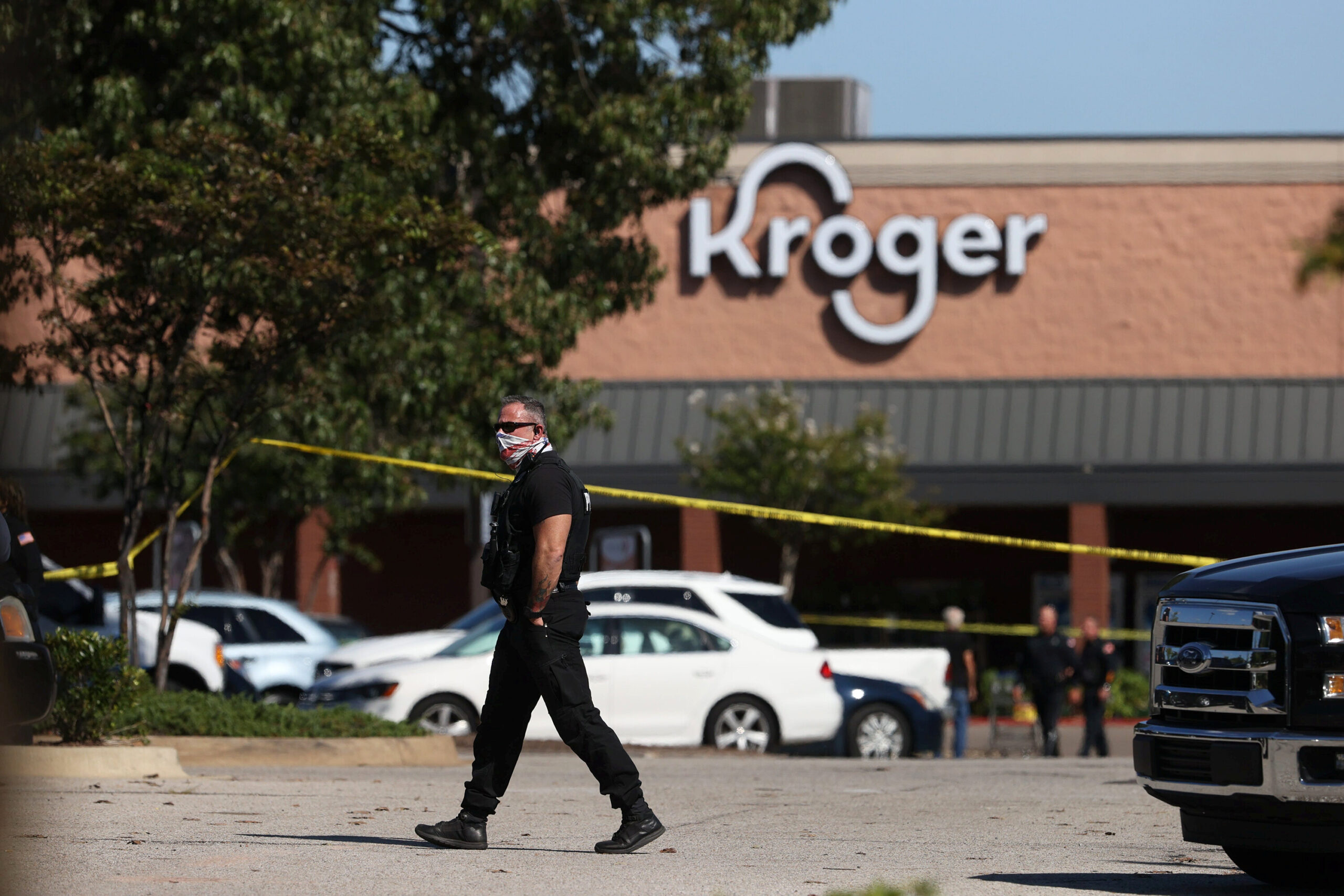 <i>Joe Rondone/The Commercial Appeal/USA Today/Reuters</i><br/>Emergency personnel respond to a shooting at a Kroger supermarket in suburban Memphis